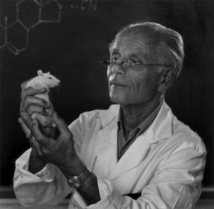 Yousuf-Karsh-Dr-Hans-Selye-1973-1997x1960
